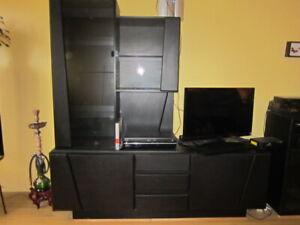 Meuble télé avec plaque tournante et étagères vitrées
