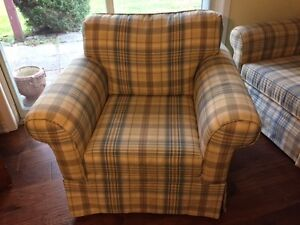 HIGH END LOVE SEAT & CHAIR FINAL REDUCTION FOR  XMAS Kawartha Lakes Peterborough Area image 2