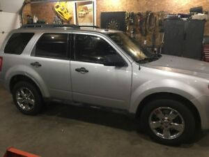 2010 Ford Escape XLT SUV 4x4 low kms 127,000k AWD 3.0L V6