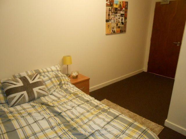 1 bedroom flat in BD1 en suite room - Bills inc - Furnished - Call Now