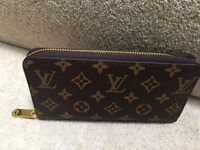 Loui Vuitton wallet NEW zippy