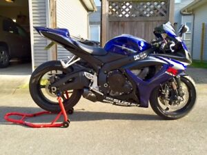 2007 Suzuki GSXR 750 Midnight Blue*New Recent Parts*LOW MILEAGE!