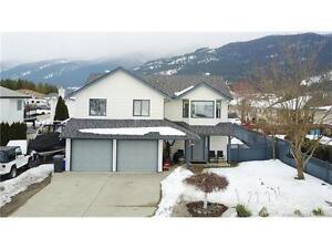 2064 Okanagan St, Armstrong BC - Delightful Family Home!
