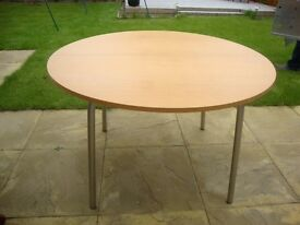 Extendable Dining Room / Kitchen Table For Sale