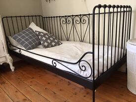 IKEA Single bed/daybed