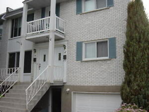 CHATEAUGUAY 5 1/2 UPPER DUPLEX 3 BEDROOMS JULY $825.00