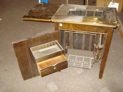 antique singer sewing machine cabinet $60.00 closing down price