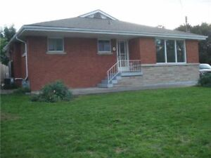 Beautiful Large Bungalow On Hamilton Mountain-Upper Level