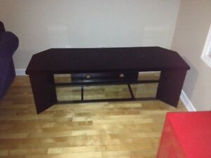 Low TV stand w glass shelving