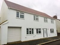 Stunning newly refurbished 4/5 bedroom house