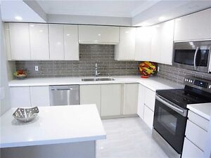 RENOVATED 1345sq in Richmond Hill - Yonge St