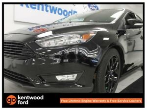 2016 Ford Focus SE- Heated power leather seats AND a back up cam