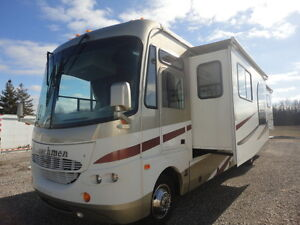 2006 Coachmen Aurora 3650 TS with 3 Large Slides only12900 miles