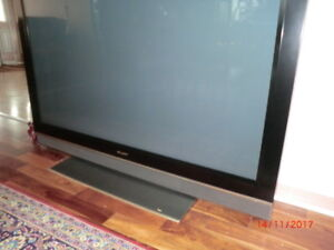 60 Inch Flat Screen TV - Excellent working condition