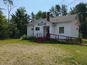 COTTAGE/HOUSE/BACHELOR STUDIO...GREAT POTENTIAL