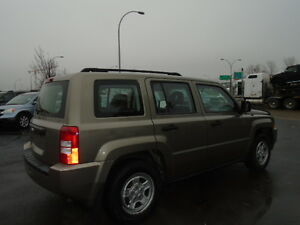 2008 JEEP PATRIOT SPORT-LEATHER--ONE OWNER---106,000KM Edmonton Edmonton Area image 8