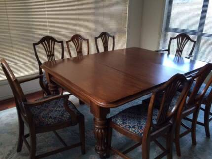 table and 8 chairs 600 00 negotiable beautiful mahogany dining table