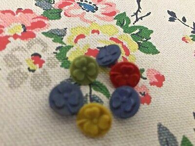 6 Flower Vintage  Plastic Buttons  Mix Colours