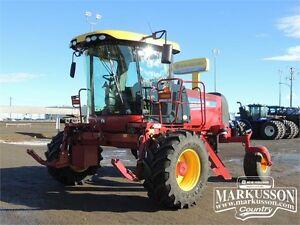 2014 NH SR200 Swather - 190HP, 36' Header, Roto-Shears, 134hrs