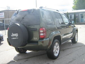 2007 Jeep Liberty Limited Edition SUV, Crossover 4X4 London Ontario image 4