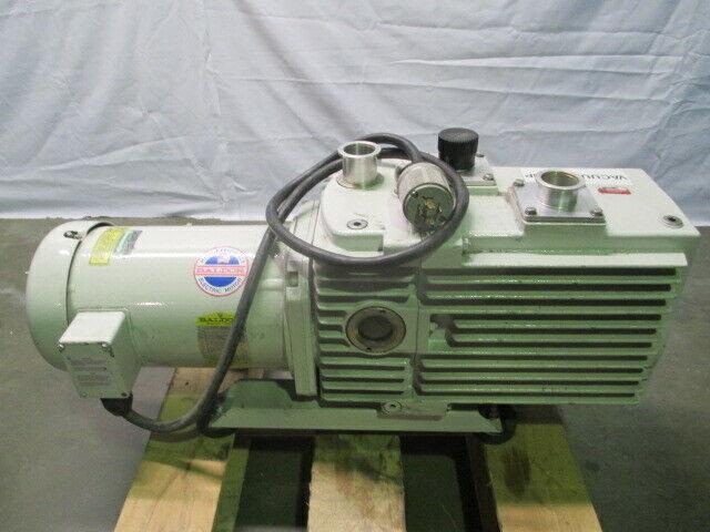 Leybold D60A TRIVAC Vacuum Pump, Baldor VM3614T Industrial Motor, 453528