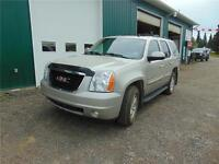 2008 GMC YUKON SLT LOADED LEATHER SUN ROOF, LOW KM VERY CLEAN