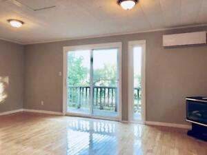 AMAZING SJ RIVER VIEWS - PATIO, WOOD FLOORS,  WASHER/DRYER
