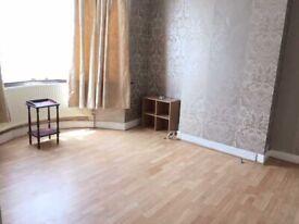 5 Bed House to Rent in Harrow Weald-ENDERLEY ROAD