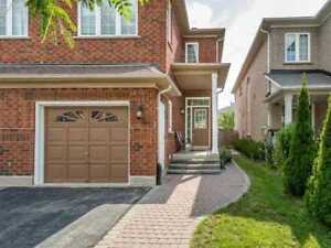 3 Bedrooms Semi Detached House For Rent In Mississauga