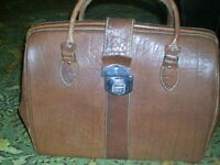 leather bag/holdall