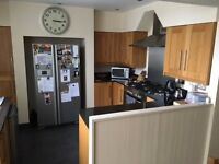 Second Hand Solid Oak Kitchen With Granite Worktops & Free Range Oven