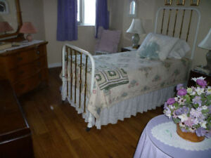 Antique Iron and Brass Bed (Single)