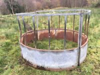 Cattle feeding ring to suit 4x4 round bails