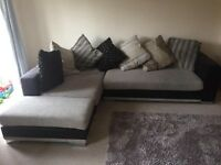 Corner sofa very (can deliver)