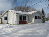 LOVELY HOME ON 2.2 ACRES NEAR PINEY, MB