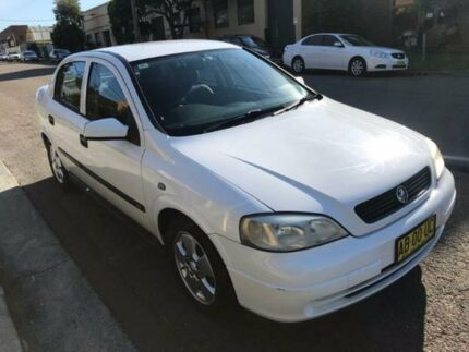 2004 Holden Astra TS MY03 CD White 4 Speed Automatic Hatchback