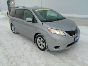 2013 Toyota Sienna LE (2 Sets of Tires & Rims)