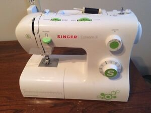 Singer 2273 Sewing Machine