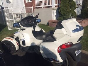 2014 Can-Am Spyder RT-S semi-automatique