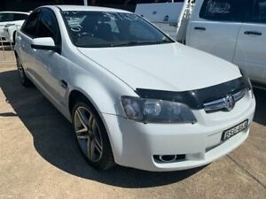 2009 Holden Berlina VE MY10 White 6 Speed Sports Automatic Sedan Wickham Newcastle Area Preview
