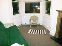 One-bed flat. Herne Hill. Suits one person or couple. Great location. period house