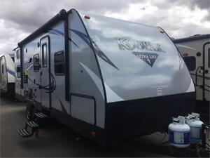 2017 27 FT DUTCHMEN RV KODIAK ULTRA LITE 243BHSL TRAVEL TRAILER