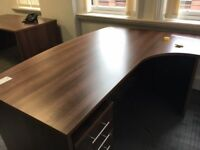 office furniture 1.8 meters walnut executive desk with pedstal
