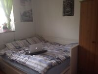 Double room in two-bed flatshare, Stoke Newington N16 £600 pcm inclusive