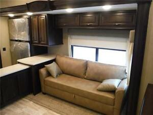 2016 Columbus 340RK Luxury Rear Kitchen 5th Wheel - 3 Slideouts Stratford Kitchener Area image 5