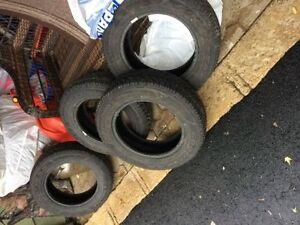 4 pneus d'hiver Goodyear UltraGrip 195/60/R15