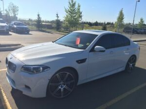 2014 BMW M5 Sedan WITH EXTENDED WARRANTY TILL 2020