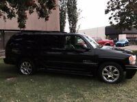 2005 GMC Yukon DENALI XL SUV, xl suburban