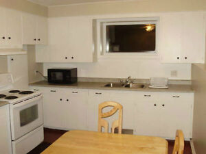 LOCATION!! 2 large Bedrooms apartment in a duplex*All included*