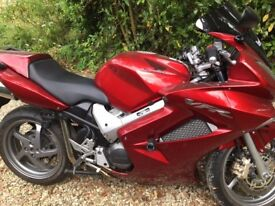 Honda VFR 800 in stunning Pearl Red Paint